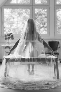 Getting Ready Braut im Fotostudio | Hochzeitsfotograf bilderschlag Erfurt