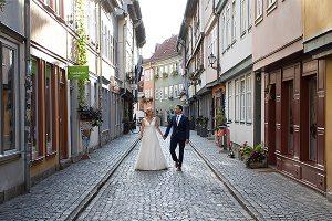 Brautpaar auf der Krämerbrücke | Hochzeitsfotograf bilderschlag Erfurt