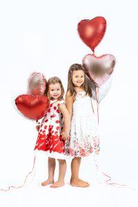 Geschwistershooting mit Ballons zum Valentinstag